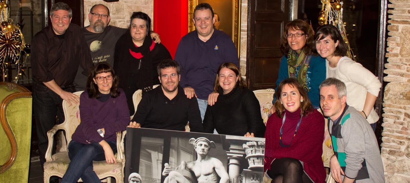 Foto de grupo con todos los miembros de Cazadores de Hermes Barcelona